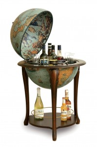 Image of an Aristocratic Floor Globe Bar